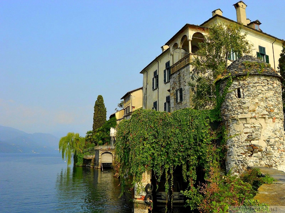 villa on Lago di Orta