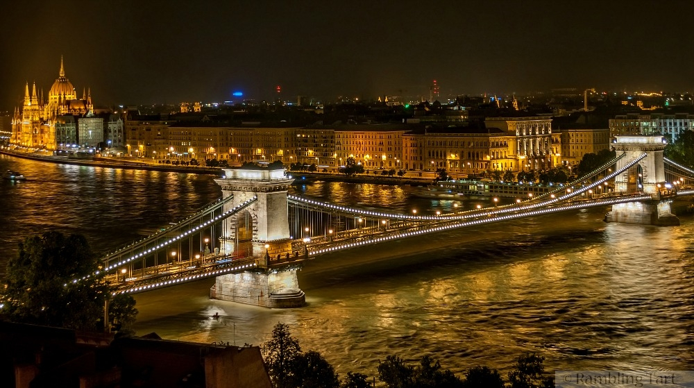 The Széchenyi Chain Bridge by Wilfredor