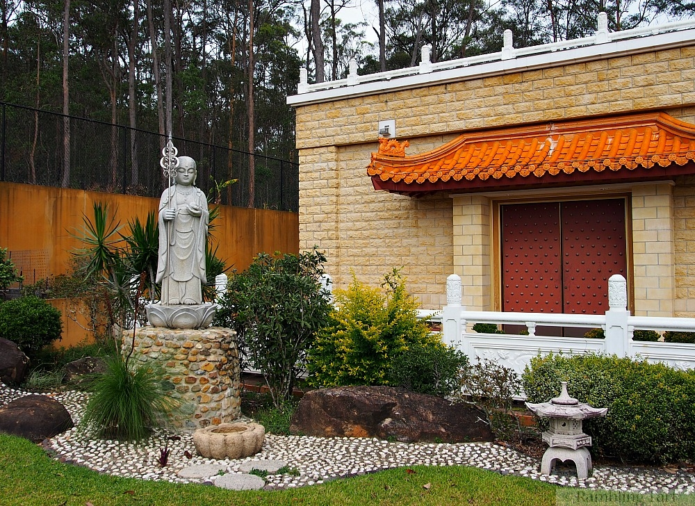 buddhist temple garden