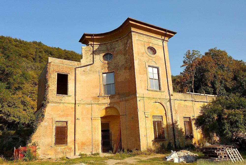 Italian villa ruins