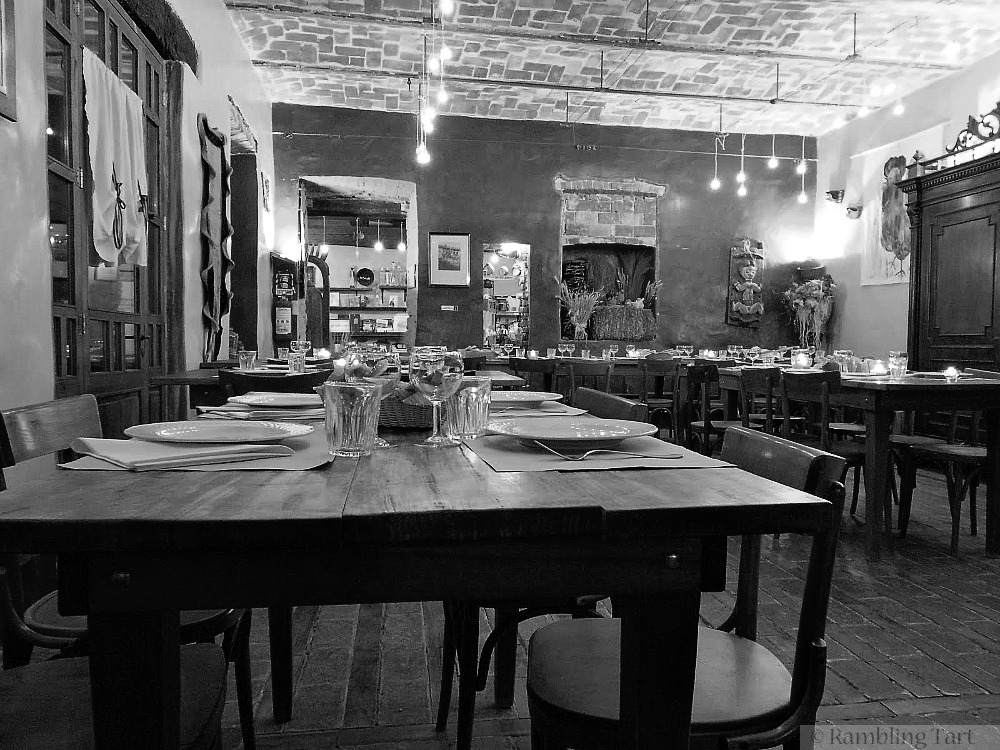 Casa Scaparone table