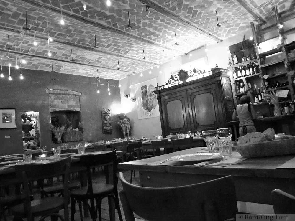 Casa Scaparone dining room