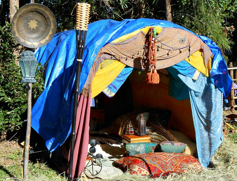 medieval gypsy tent & A Medieval Gypsy Wedding and Caravan in Australia » ramblingtart