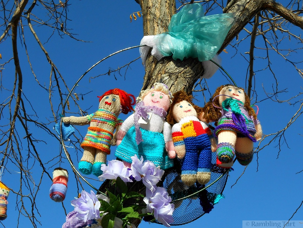 yarn bomb dolls