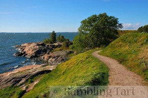 Helsinki lake by Ralf Roletschek