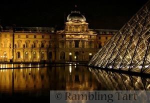 Louvre by Pipiten
