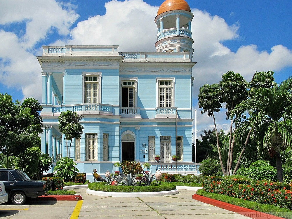 Cienfuegos Palacio Azul 2012 by Guido Hermans