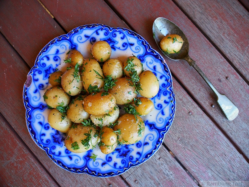 new potatoes with butter and parsley