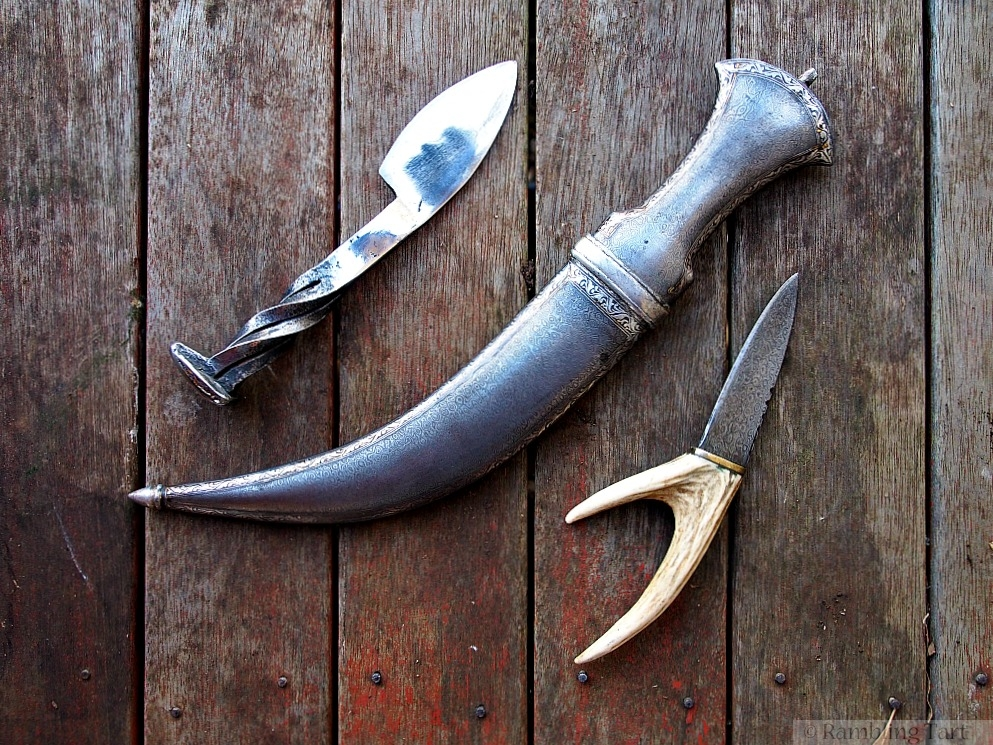 medieval knives and dagger
