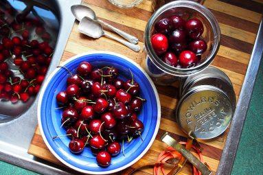 preserving cherries